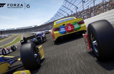 Forza Motorsport 6: disponibile l'espansione NASCAR