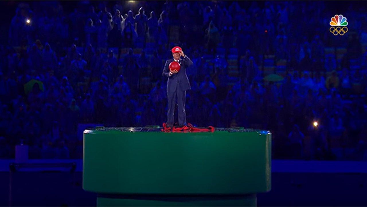 Mario compare durante la cerimonia di chiusura dei giochi olimpici a Rio