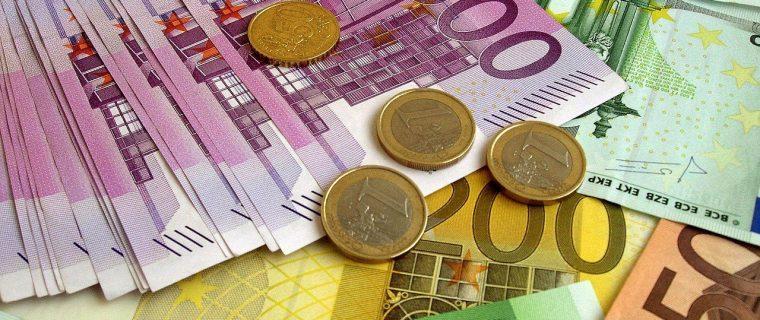 Money, money, money Editoriale 01