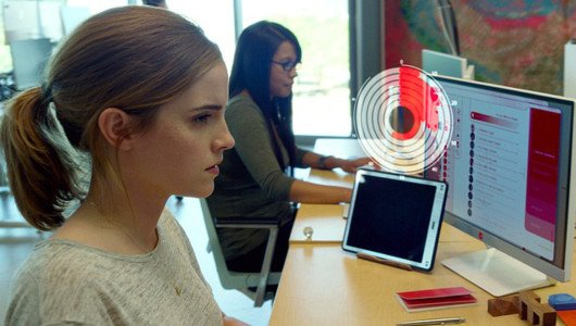 The Circle: primo trailer per il film con Emma Watson e Tom Hanks
