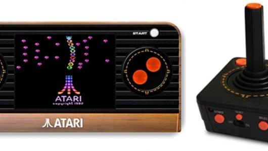 Atari 2600 torna in versione portatile e joystick Plug and Play