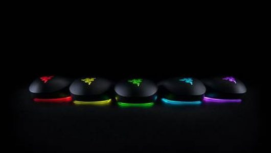 Razer presenta il mouse Abyssus Essential basato su Razer Chroma